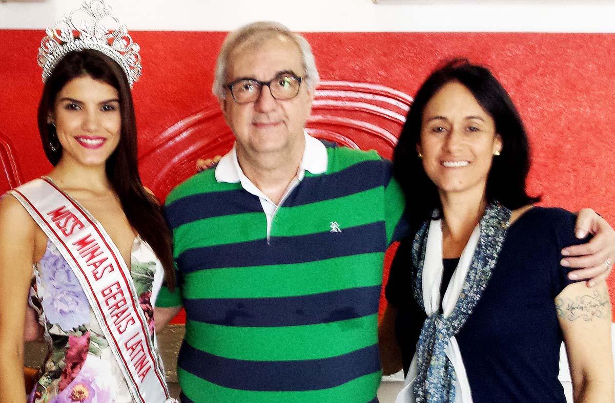 Dianine Nunes da Silva, Miss Brasil Latina; o jornalista William Saliba; e a coordenadora do Miss Minas Gerais 2015, Solange Maria, diretora da Agência Oz