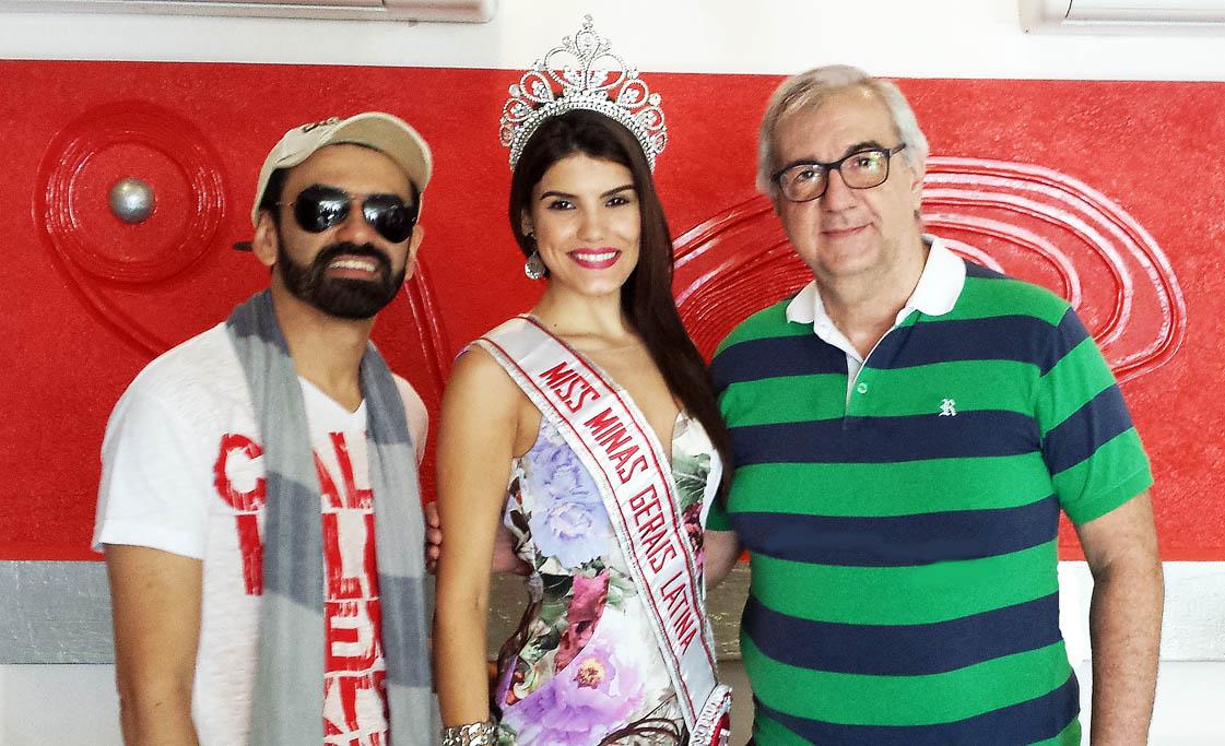 O produtor de modelos Ton Xavier, a Miss Brasil Latina Di Nunes e o jornalista William Saliba