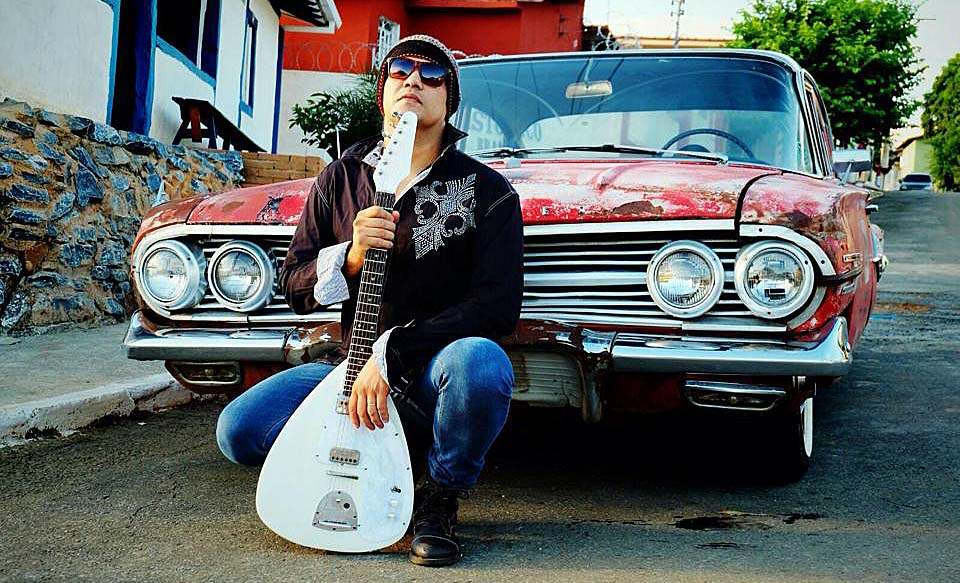 Gleison Tulio se juntou a dois músicos do Vale do Aço para formar a Rock Lock