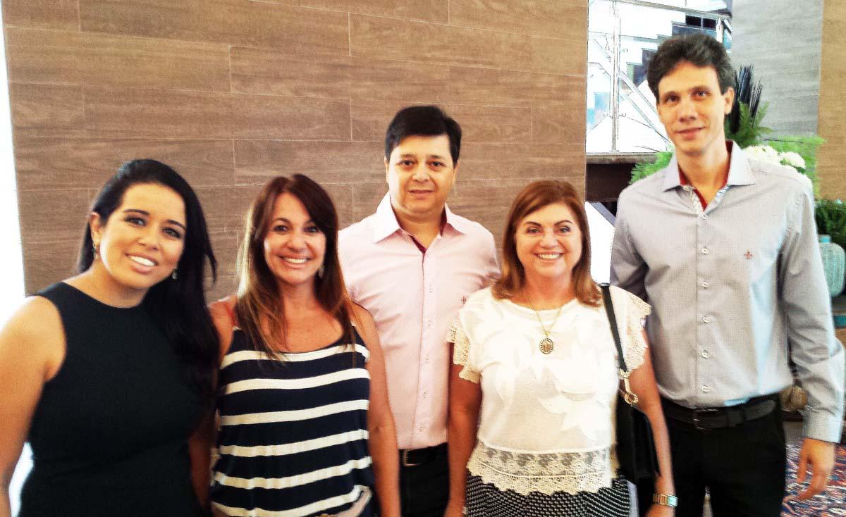 No Shopping do Vale do Aço, o encontro dos empresários Polyana Silveira, Maria Zilda Torres, Luís Henrique Alves Fátima Sales e Cláudio Zambaldi