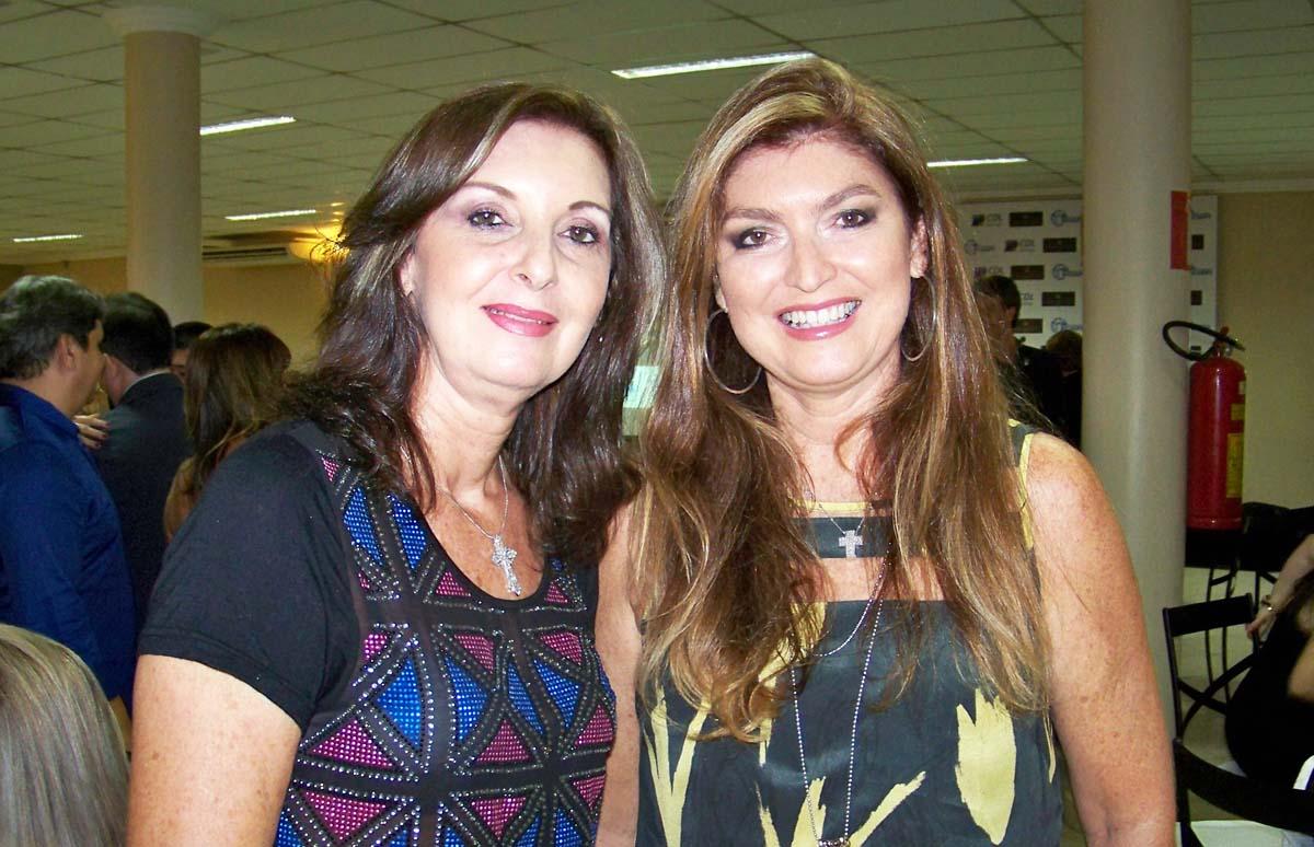 As irmãs Ívina e Vânia Dias, diretoras da Divaço/Volkswagen, em noite social